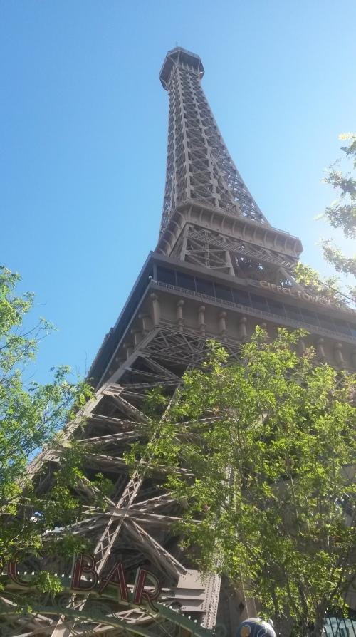 Vegas.Eiffel.1