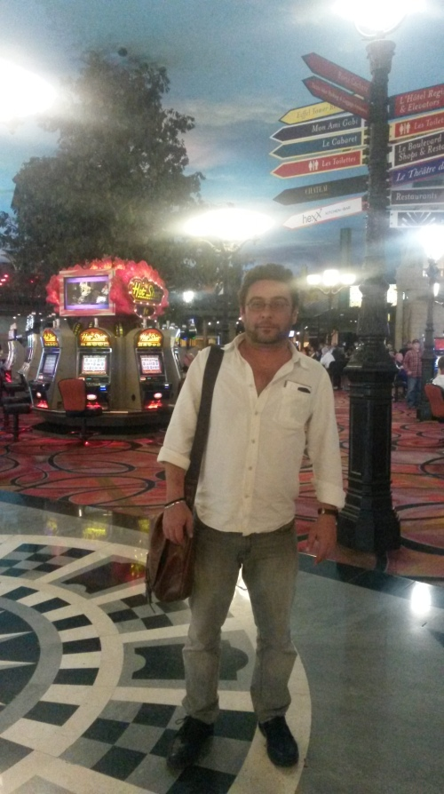 Vegas.Paris.crossroads