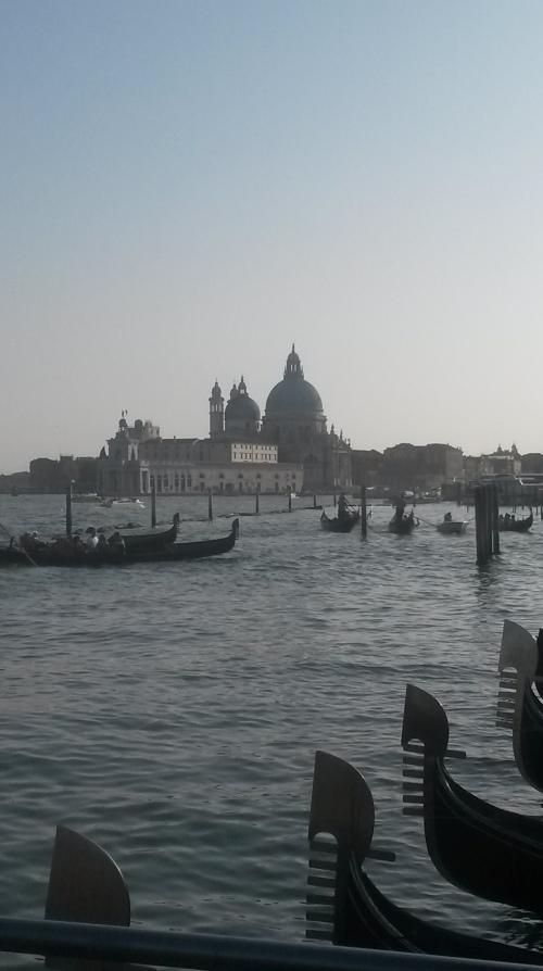 Venice.gondole.seara
